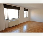 ELEVATOR BUILDING 1 BEDROOM WELL MAINTAINED BUILDING IN SOHO!